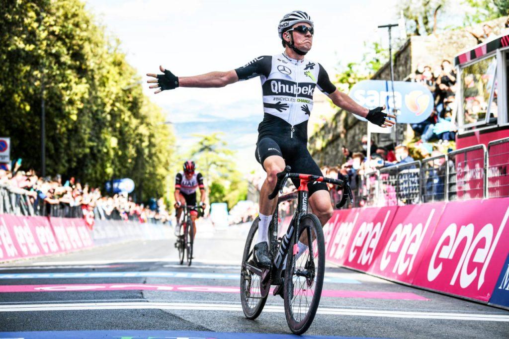 Mauro Schmid wins 11th stage Giro d'Ítalia